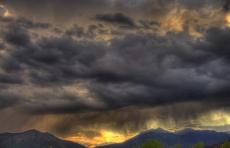 clouds-3933106_640
